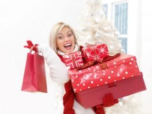 woman-christmas-shopping