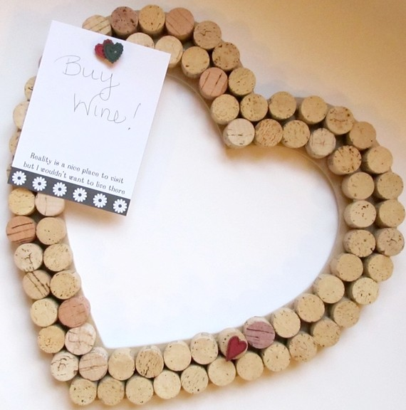 DIY Holiday Gifts: Wine Cork-Boards