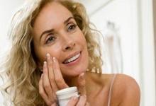 woman facial serum