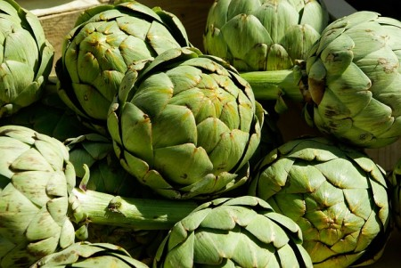 May is the month that artichokes are in season, and at their lowest price.  Try some of these frugal recipes with artichokes!