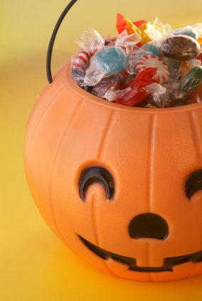 Trick-or-treaters need something that will hold the candy they collect. It doesn't have to be a plastic pumpkin! Here are some alternative ideas.