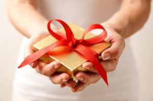 To help you out we've perused the internet to find the perfect gifts for her that are under $15!