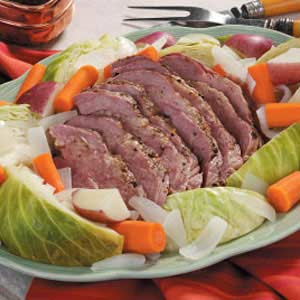 Holiday foods can end up being expensive.  However, it is possible to enjoy the foods and drinks that go with St. Patrick's Day for a frugal price.