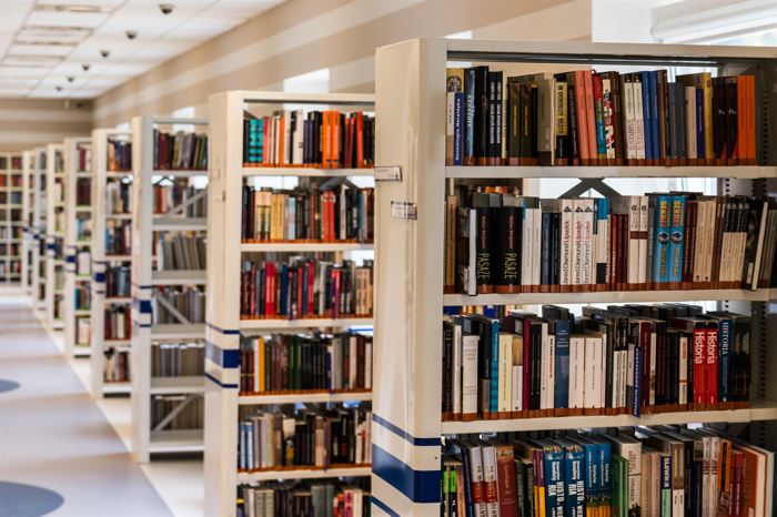 How to Read Books for Free – Without Breaking Laws